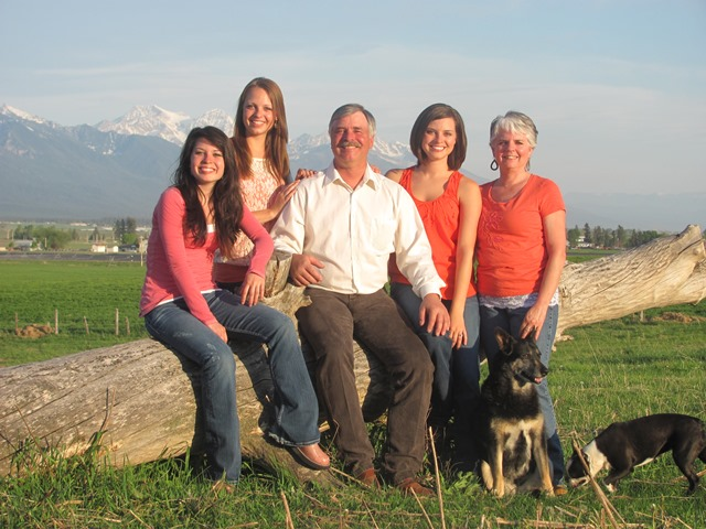 Dan Salomon with family